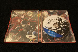 Steelbook and Game Disc